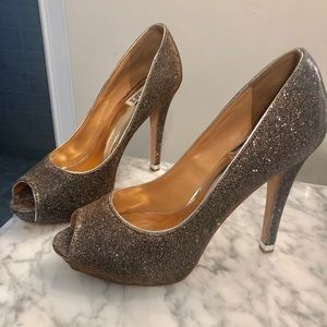 Badgely Mischka two tone peep toe pumps